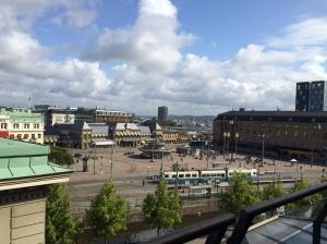 Ausblick vom Hotelzimmer auf den Bahnhofsplatz