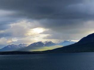 Einfahrt nach Akureyri