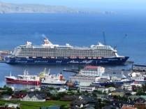 Die Mein Schiff 4 von TUI Cruises in Torshavn, Färöer